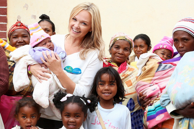 Pampers and UNICEF '1 pack = 1 vaccine' campaign